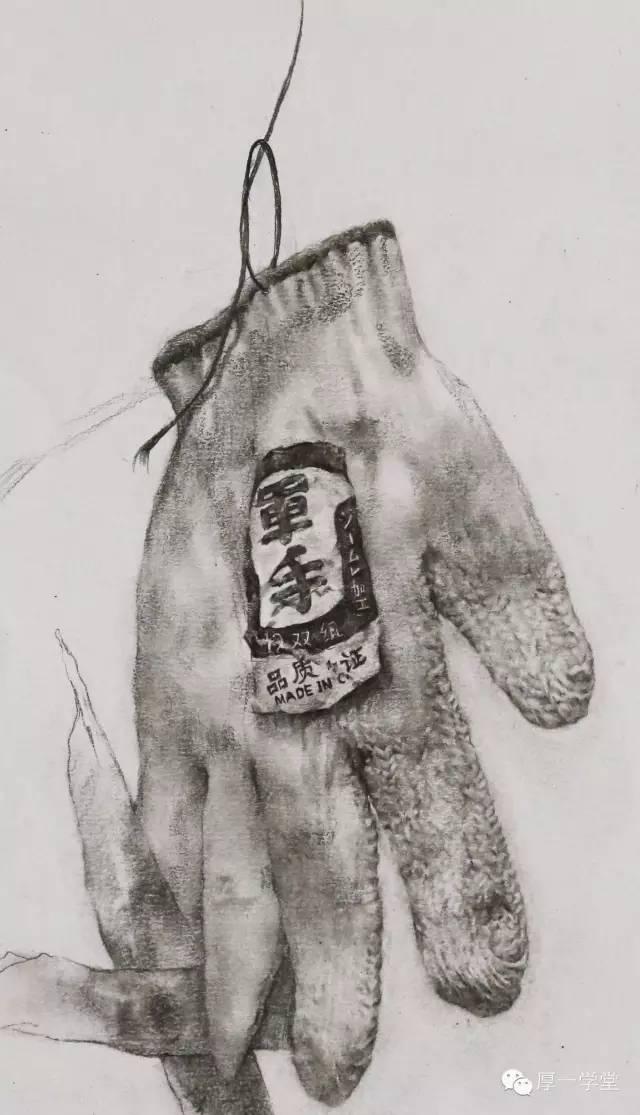 【课堂优秀作业】9月上旬非常规静物素描(图52)